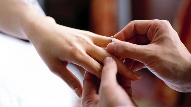 Amour & Vérité fiancés