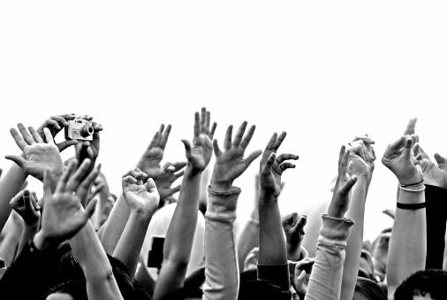 Hands-Up2