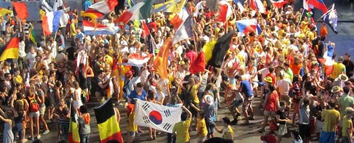 Banner-JMJ-Madrid-18-30-drapeaux-Alegria-web