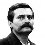 """Lech Walesa, électricien à la moustache caractéristique, fonda la fédération de syndicats polonais """"Solidarność"""" et fut le premier président élu de la Pologne non-communiste."""