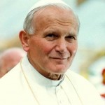 Saint Jean-Paul II (1920 – 2005),  Karol Józef Wojtyła, devnu pape, a transformé l'image du Vatican et contribué à faire chuter le communisme.